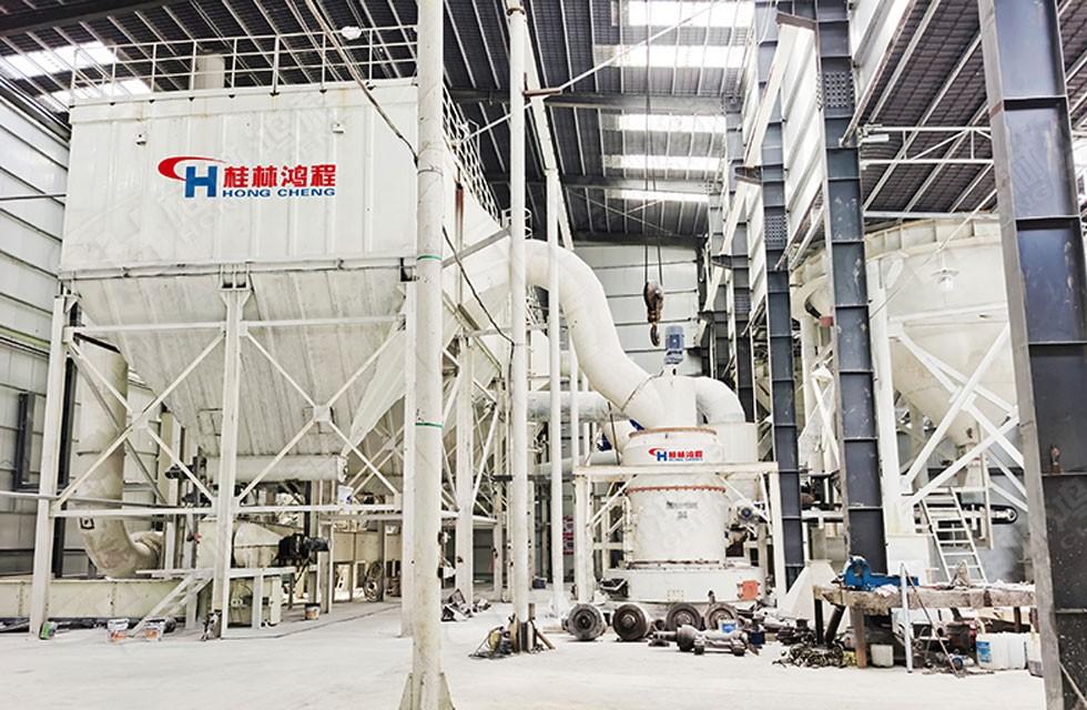 石灰石325目磨粉机每小时吨15吨26吨客户上线