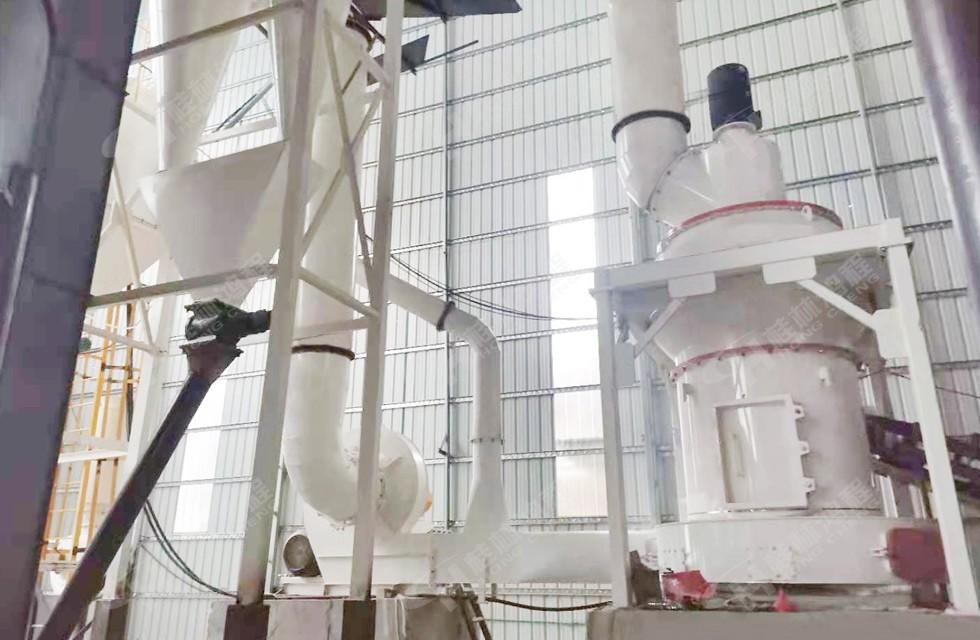 80-400目的白云石雷蒙磨粉机湖南客户正式投产